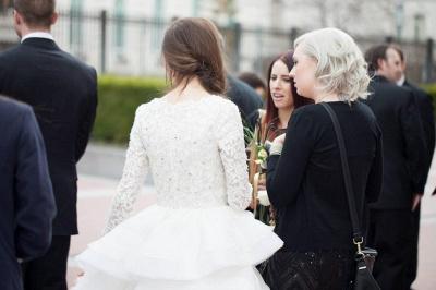 Elegant Beadss Lace Appliques Wedding Dress Ruffles Court Train_6