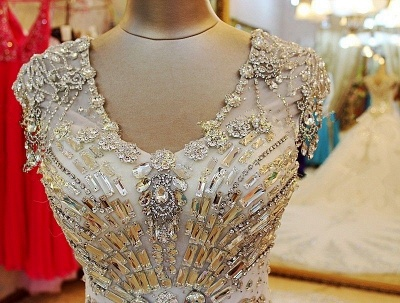 Luxurious Scoop Neckline Cap Sleeve Wedding Dress Ball Gown With Beadss Crystals_5