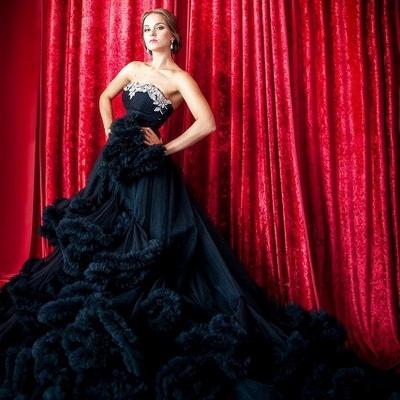 Luxury Appliques Ruffles Black Evening Dress UK Court Train Sleeveless_9