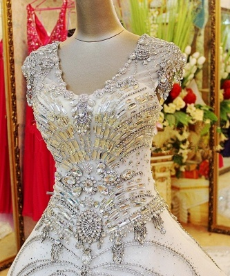 Luxurious Scoop Neckline Cap Sleeve Wedding Dress Ball Gown With Beadss Crystals_3