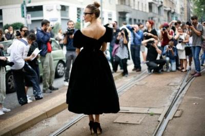 Modern Off-the-shoulder Black Princess Prom Dress UK Zipper Tea-length_2