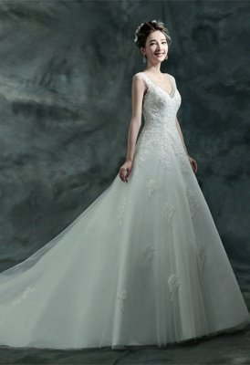 Gorgeous Sleeveless V-Neck Lace Appliques Wedding Dresses UK Long Train With Beadss_1