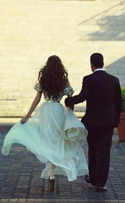 Delicate Off-the-shoulder  Flowers Wedding Dress Front Split_5