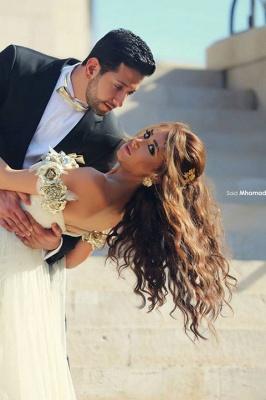 Delicate Off-the-shoulder  Flowers Wedding Dress Front Split_4