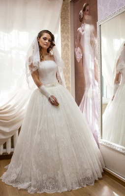 Elegant Strapless Lace Wedding Dress Sleeveless Lace-up Bridal Gown_1